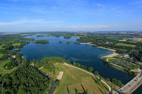 Vue aérienne du Grand Parc de Miribel-Jonage - photo Hubert Canet