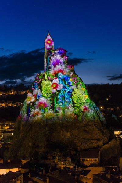 Puy de Lumières - Rocher St Michel au Puy en Velay - © photo Luc Olivier