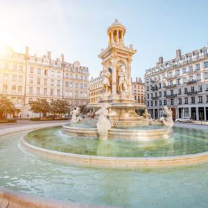 Place des Jacobins, Lyon © Helen Ross/ Shutterstock_670146328