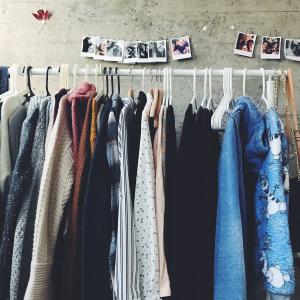 Marché de la mode vintage