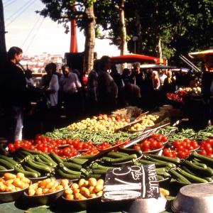 Food and Flower Market Saint Antoine Célestins