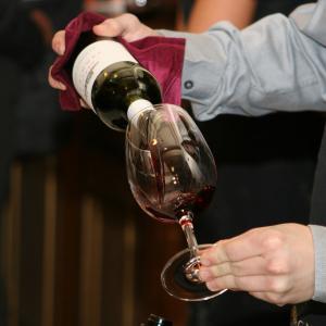 Wine tasting © 786933 Edusoft / Pixabay