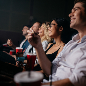 Friends in theater © Jacob Lund/Shutterstock.com
